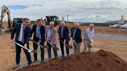 Qantas Grou pPilot Academy Sod Turn_Toowoomba Wellcamp Airport